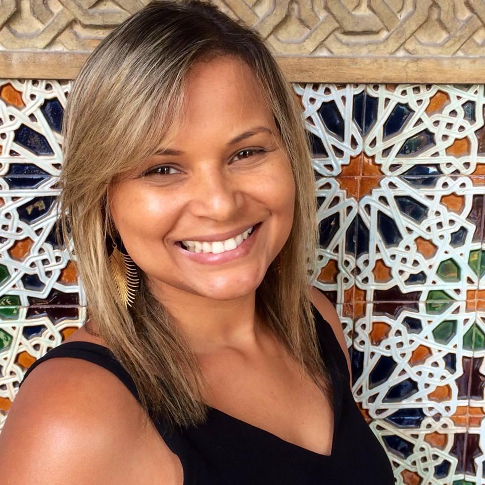 Ana Paula, Analista de Sistemas.