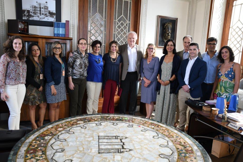 Fiocruz assina acordo com a Universidade de Oxford para desenvolver plataforma conjunta em ensino e pesquisa