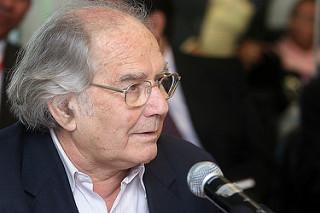 Vencedor do Prêmio Nobel da Paz, Adolfo Pérez Esquivel é convidado do encontro 'Por Direitos Humanos e Democracia' e da Aula Magna na UFRJ